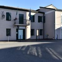 Tra luci ed ombre la casa del Popolo, attuale Biblioteca del paese - Marianna57 - Goro (FE)