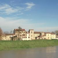 case lungo l'argine - Samaritani - Bondeno (FE)