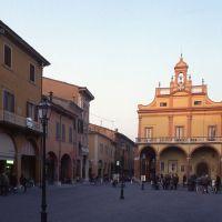 Piazza Guercino con Palazzo Municipale - zappaterra - Cento (FE)