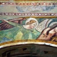 Scuola bolognese, ciclo dell'abbazia di pomposa, 1350 ca., apocalisse, 11 michele e gli angeli sconfiggono satana 2 - Sailko - Codigoro (FE)