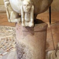 Pomposa, abbazia, interno, acquasantiera romanica del xii secolo 02 - Sailko - Codigoro (FE)
