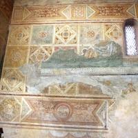 Scuola riminese, affreschi geometrici con bustini di santi, 1350-1400 ca. , affioramenti dell'XI secolo 03 - Sailko - Codigoro (FE)