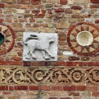 Pomposa, abbazia, atrio di mazulo del 1000-1050 ca., decori in cotto e in marmo 02 - Sailko - Codigoro (FE)