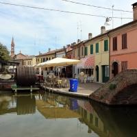 Comacchio, via muratori e ponte piazzetta pescheria - Sailko - Comacchio (FE)