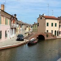 Comacchio, canale maggiore presso via san pietro, ponte dei sisti - Sailko - Comacchio (FE)