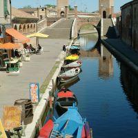 Ponte dei Trepponti con barche - Baraldi - Comacchio (FE)
