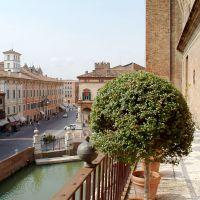 Castello Estense. Veduta dal Giardino degli Aranci su Corso Martiri - baraldi - Ferrara (FE)