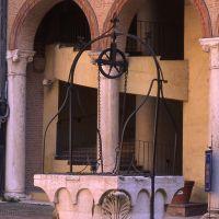 Castello Estense, cortile con pozzo - zappaterra - Ferrara (FE)