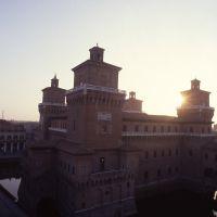 castello estense visto dai tetti - zappaterra - Ferrara (FE)