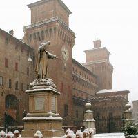 Piazza Savonarola con la neve - baraldi - Ferrara (FE)