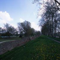 le mura, il terrapieno - zappaterra - Ferrara (FE)
