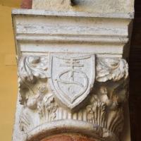 Capitello con stemma casa Romei Ferrara 01 - Nicola Quirico - Ferrara (FE)
