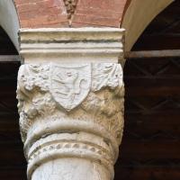 Capitello con stemma casa Romei Ferrara - Nicola Quirico - Ferrara (FE)