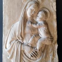Particolare scultura loggiato piano terra - Manuela Mattana - Ferrara (FE)