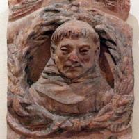 Bassorilievo con testa di frate, xv secolo, forse da s. francesco a ferrara - Sailko - Ferrara (FE)