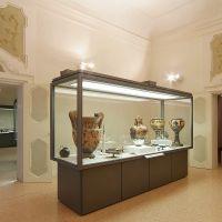 Museo Archeologico. Vetrine - baraldi - Ferrara (FE)