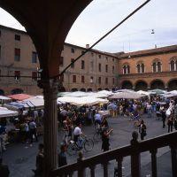 Piazza Municicpale con mercato - zappaterra - Ferrara (FE)
