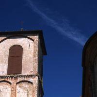 Chiesa di San Leo a Voghenza. Scorcio campanile - Meneghetti - Voghiera (FE)