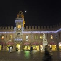 Palazzo del Governatore in piazza Guercino by night - Antonella Balboni - Cento (FE)