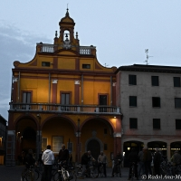Il municipio illuminato di sera - Ana-Maria Iulia Radoi - Cento (FE)