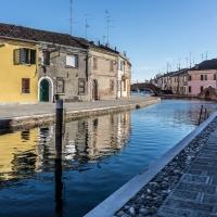 Nel Centro storico di Comacchio - Ponte San Pietro e ponte dei Sisti - Vanni Lazzari - Comacchio (FE)