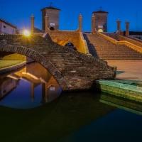 -- Trepponti nell'ora blu -- - Vanni Lazzari - Comacchio (FE)