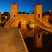 Trepponti allo specchio nell'ora blu - Vanni Lazzari - Comacchio (FE)
