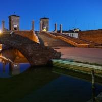 Trepponti - ora blu - Vanni Lazzari - Comacchio (FE)