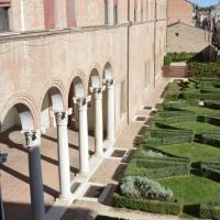 Colonnato e giardino - Laura Dolcetti - Ferrara (FE)