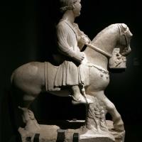 Maestro dei mesi, cavaliere (maggio), 1225-30 ca. (ferrara, museo della cattedrale) 01 - Sailko - Ferrara (FE)