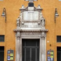 Ferrara, palazzo comunale, portale dell'ex-cappella di corte, 1476 - Sailko - Ferrara (FE)
