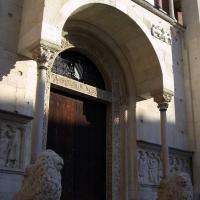 Ingresso del Duomo con leoni - Matteolel - Modena (MO)