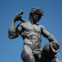 Fontana dei due fiumi - Panaro - dettaglio - Luce&nebbia - Modena (MO)