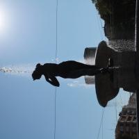 Fontana dei due fiumi in controluce - Luce&nebbia - Modena (MO)