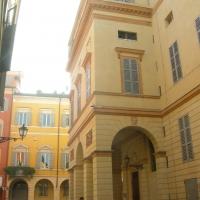 Teatro Comunale, ingresso laterale - Gabriella Borghetto - Modena (MO)