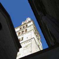 Torre Ghirlandina di Modena dal basso 6 - Matteolel - Modena (MO)