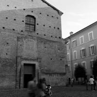 Passaggio davanti alla Chiesa di Santa Maria di Pomposa Modena - BeaDominianni - Modena (MO)