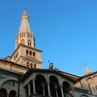 Torre Ghirlandina vista da Piazza Grande Modena - BeaDominianni - Modena (MO)