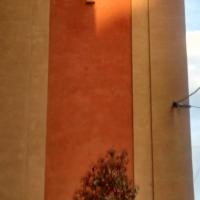 Particolare della facciata, al tramonto - Clarkfor - Modena (MO)