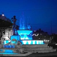 Fontana con luce blu - Marzia58 - Modena (MO)