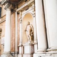 Statuta facciata Palazzo Ducale - Opi1010 - Modena (MO)