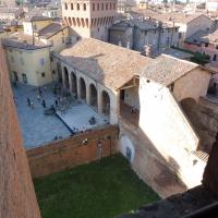 Mirco, Castello di Vignola, veduta sull'ingresso e piazza dei Contrari - Mirco Malaguti - Vignola (MO)