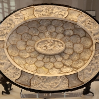 Ignaz elhafen (attr.), piatto da parata con raffigurazioni marine, 1670-80 ca. (avorio, m,adreperla, corno di cervo, legno) - Sailko - Modena (MO)