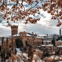Il Castello di Levizzano vestito di bianco - Luca Nacchio - Castelvetro di Modena (MO)