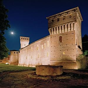 Castello di Formigine - Castello di notte foto di: Alberto Lagomaggiore - Comune di Formigine