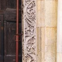 Ambito di wiligelmo, porta della pescheria, 04 mesi sugli stipiti 04 - Sailko - Modena (MO)