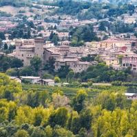 Rocca di Vignola vista da Savignano Alto - Quart1984 - Vignola (MO)