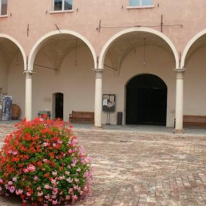 Castello di Spezzano - Corte del castello Spezzano foto di: |Archivio Comune Fiorano Modenese| - Comune Fiorano Modenese