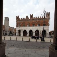 001893 palazzo gotico piazza cavalli - Gialess - Piacenza (PC)
