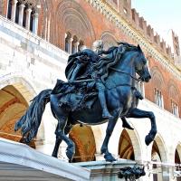 Piazza cavalli2 - Majesty400 - Piacenza (PC)